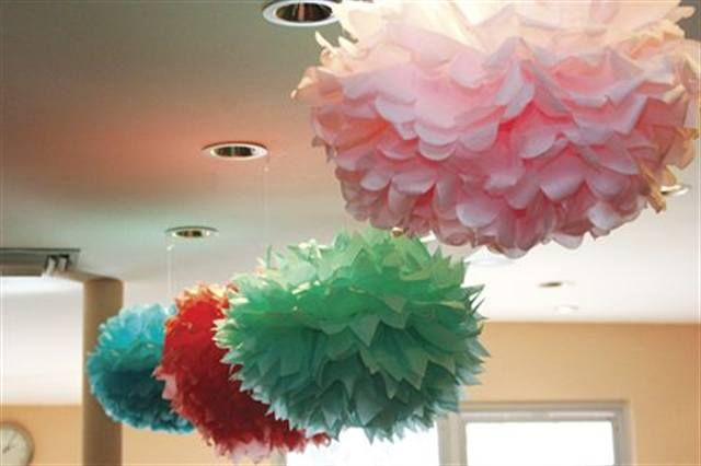 <p>DAY OF (MORNING)</p> <p>&gt; Hostess drops off party decorations (optional).</p>