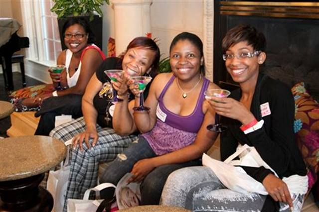 <p>Pamela King, Ja&rsquo;Niese Newton, British Burnett, and Leslie Smith enjoy their signature Artist martinis.</p>