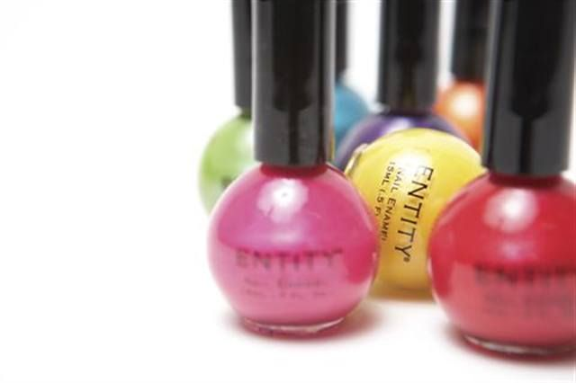 <p><strong>Entity Beauty</strong> Pearl Collection</p>