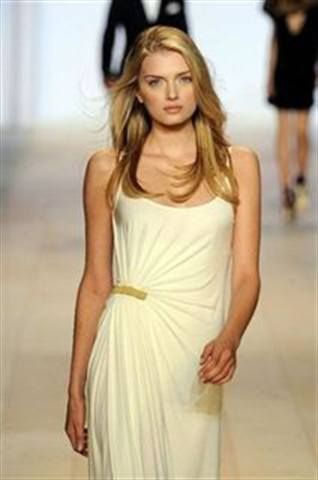 <p>Tommy Hilfiger&nbsp;went with a classic nude shade, Priti Coronation, for the company&rsquo;s runway show.</p>
