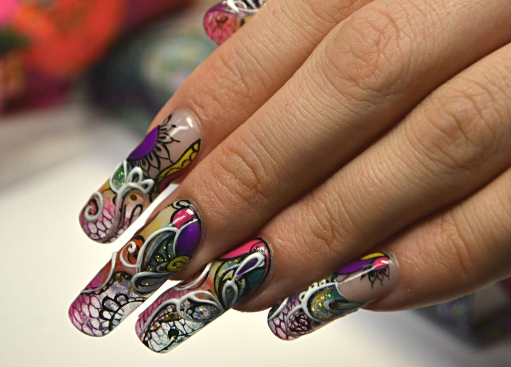 <p>OleHouse teacher Badalova Marina won first place in the &ldquo;Create your portfolio&rdquo;-themed contest at Nevskie Berega 2015 for this nail art photo.</p>