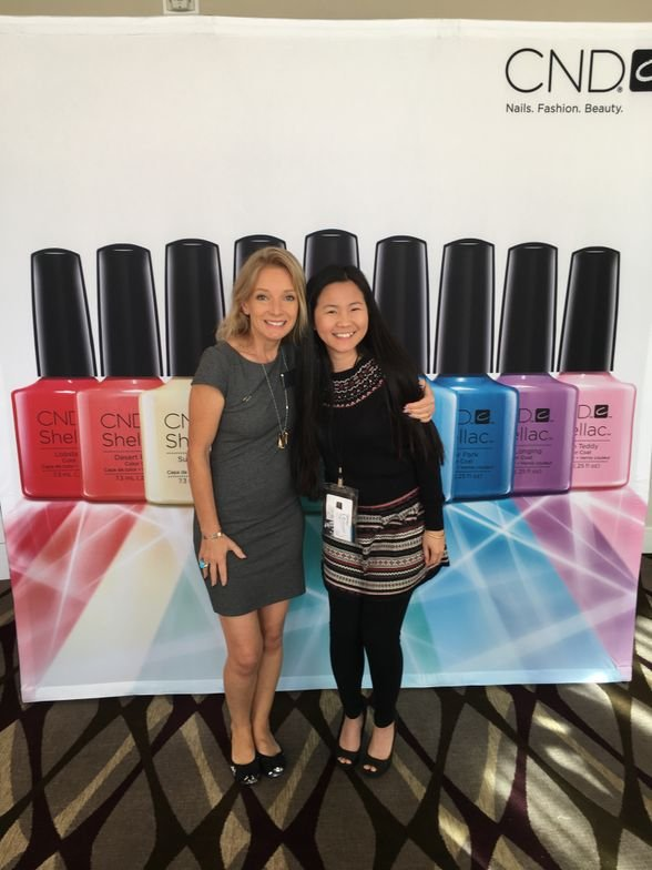 <p>CND EA from United Kingdom Amanda Fontanarrosa and VietSALON's Anh Tran </p>