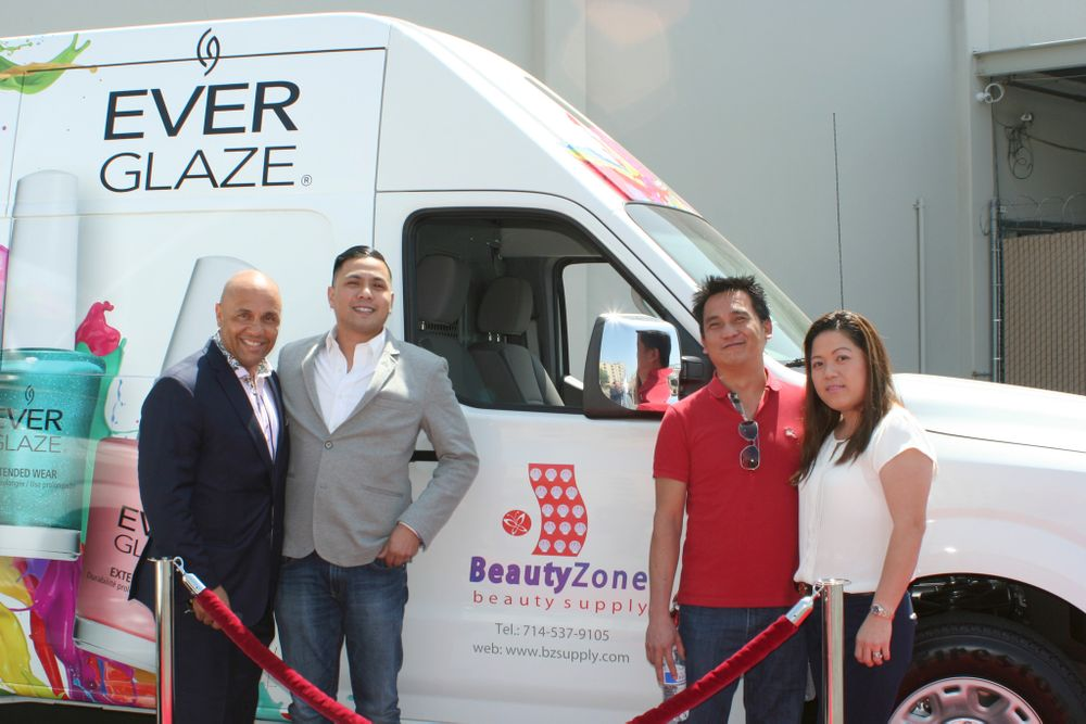 <p>Donald Anderson, AII Southwest regional manager with Beauty Zone's Don Le, Le Hoa, and Christine Nguyen</p>
