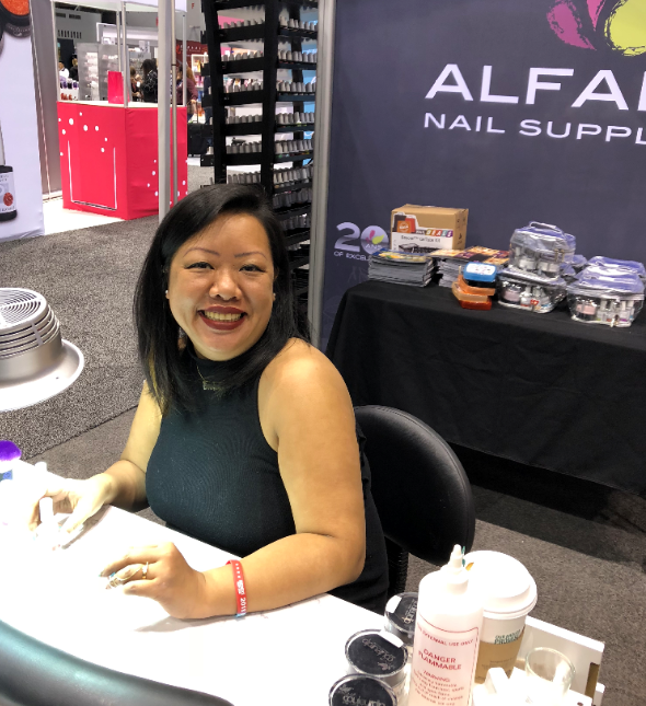 <p>Alfalfa's Caroline Vy Tran demoed the brand's dip system.</p>
