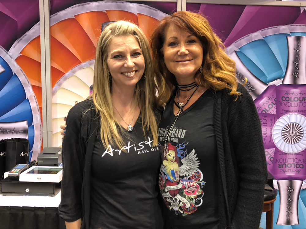 <p>Artistic Nail Design demoed dip systems and Putty on the show floor.</p>