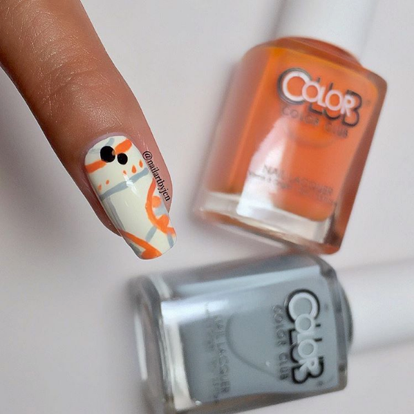 "<p>BB-8 nail art by&nbsp;<a href=""https://www.instagram.com/nailartbyjen"">@nailartbyjen</a></p>"