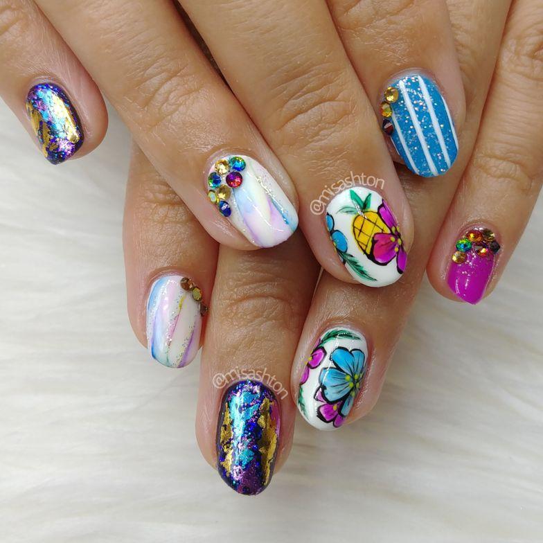 <p>Executive Editor Beth's nails by NTNA Top 4 competitor Ashton Harlan</p>