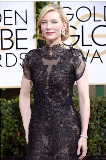 <p>Golden Globe winner Cate Blanchett wore Essie's Au Natural applied by celebrity manicurist April Foreman. Image via @thewallgroup.</p>
