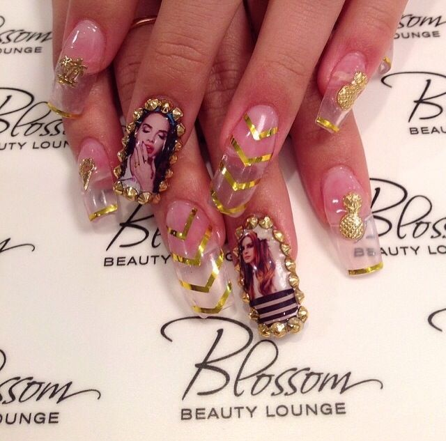 <p>Tin Bui, Blossom Beauty Lounge, Redondo Beach, Calif. @nailsbytintin</p>