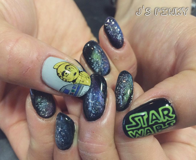 "<p>C3PO nails at <a href=""https://instagram.com/jspinky22522"">J's Pinky Nail Salon</a>, Nagoya, Japan</p>"