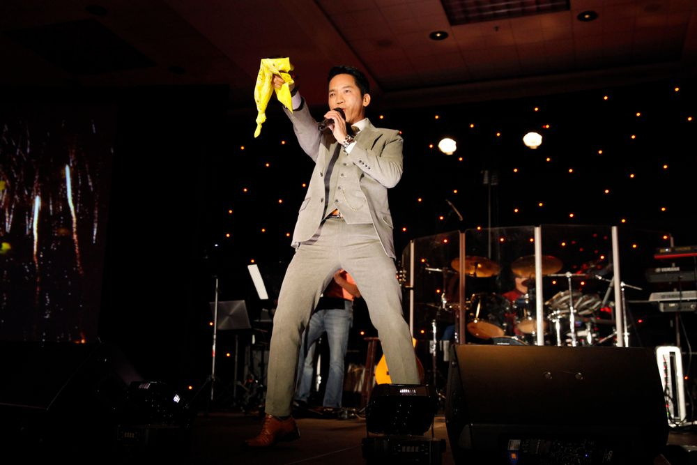 <p>Vietnamese singer Don Ho serenades the crowd</p>