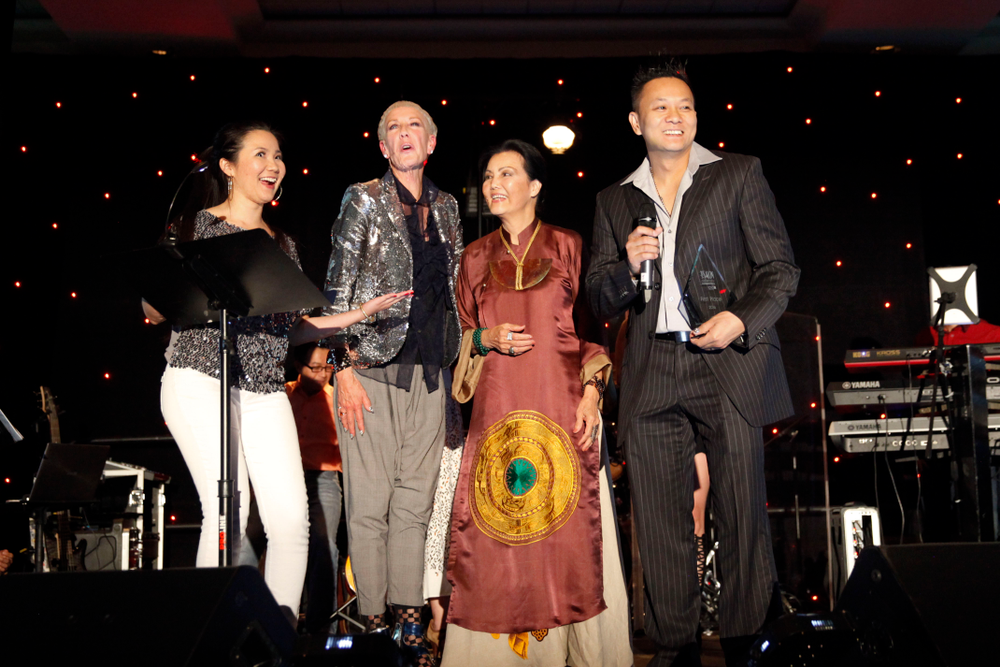 <p>Congratulations to Tan Nguyen, winner of the VietSALON Nail Artistry Competition, sponsored by CND. The award was presenting at CND's Shining Stars! Party &amp; Concert.</p>