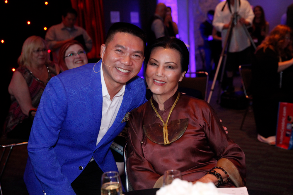 <p>MC Derrick Nguyen and actress Kieu Chinh</p>