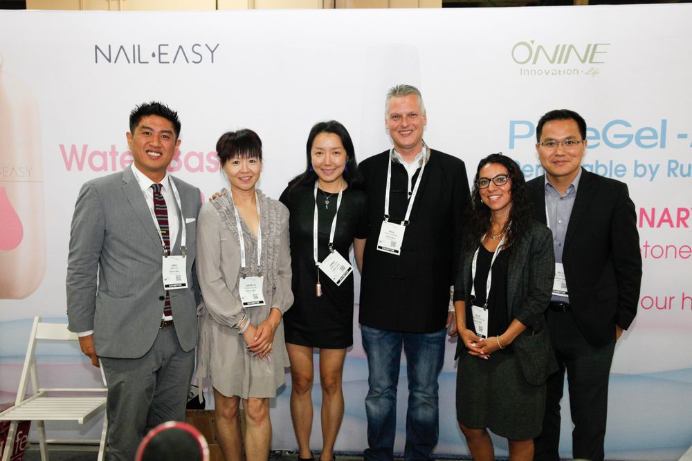 <p>O'Nine's Hieu Le, Angela Lee, Anna Qin, Paul Gorbel, Jolie Peterson, and Billy Zhao</p>