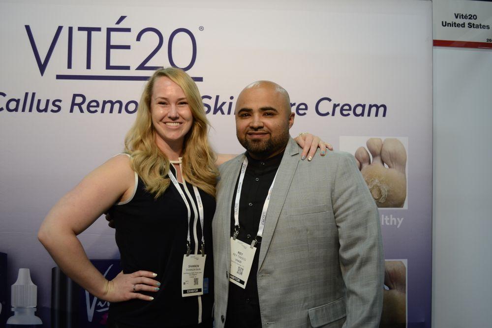 <p>Vité 20's Shannon Rahn and Rey Tinoco</p>