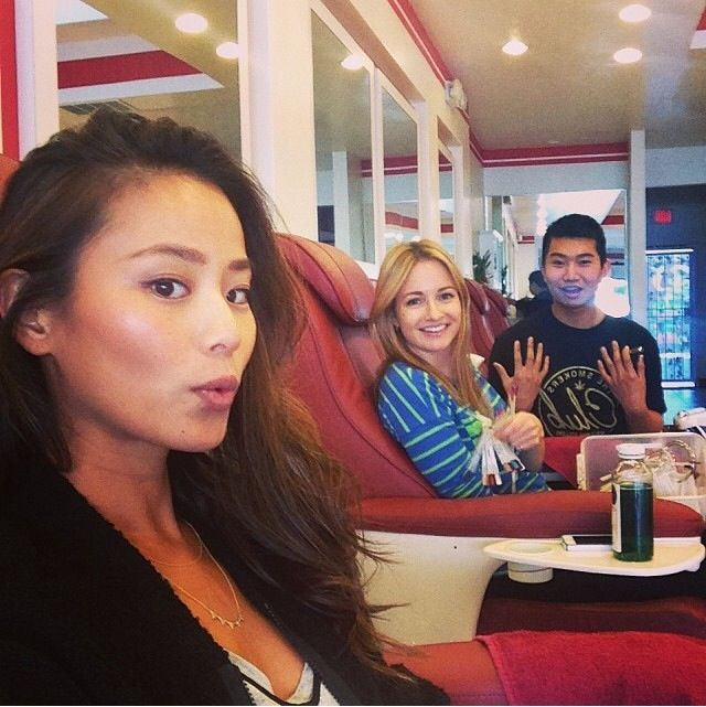 <p>Actress Jamie Chung posted this pic of her getting her nails done @nailnation before the Golden Globes. Image via @jamiechung.</p>