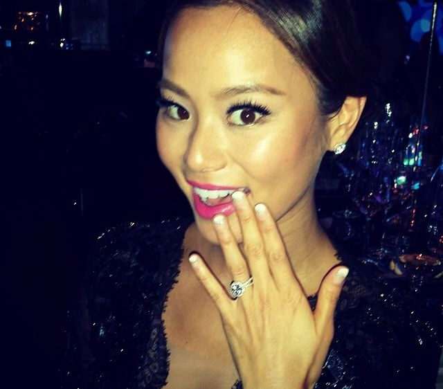<p>Jamie Chung's completed Golden Globes mani. Image via @instyle.</p>
