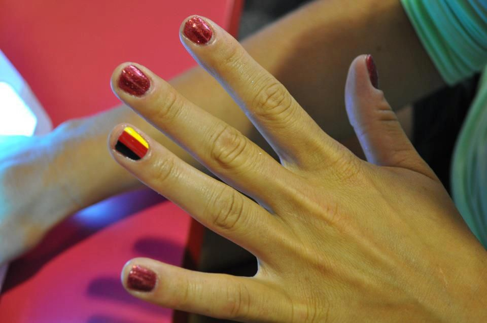 <p>Rower&nbsp;Constanze Siering from the German team wears Minx nail art.</p>