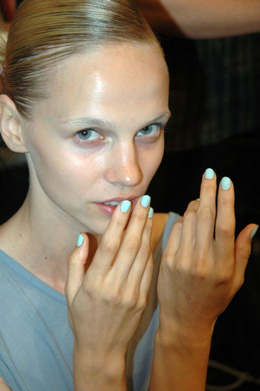 <p>Designer Ashleigh Verrier went with a pastel mix of <strong>Dashing Diva</strong> Pier 39 polish, a cool minty pastel green, mixed with a touch of white polish to make it lighter.&nbsp; (Photography by Ann Lawlor)</p>