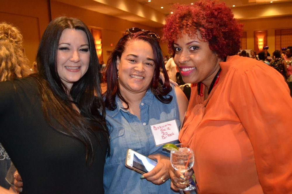 <p>Alecia Mounixay, Eileen Shaw, Lauren Boyd</p>