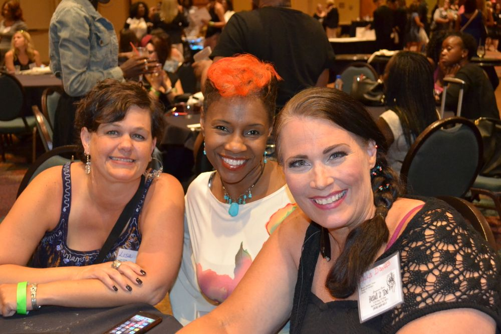 <p>(l to r) Lisa Carver, Tiffany Carter, Paula Davies</p>