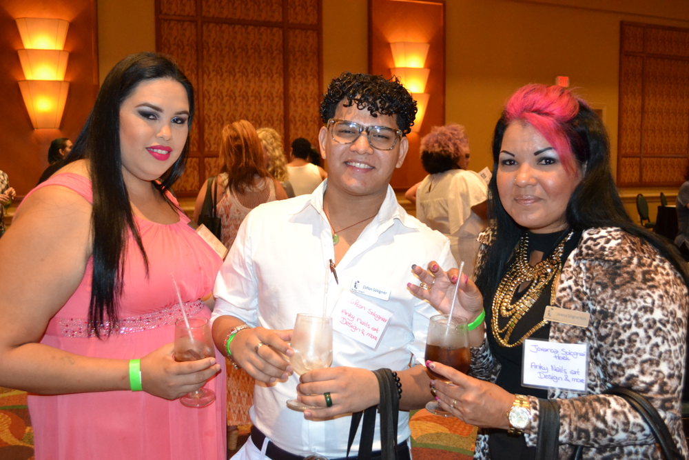 <p>Juneida Oliveira, Clifton Solognier, Jovanca Solognier-Hoek (they all came from Aruba to be at the show!)</p>