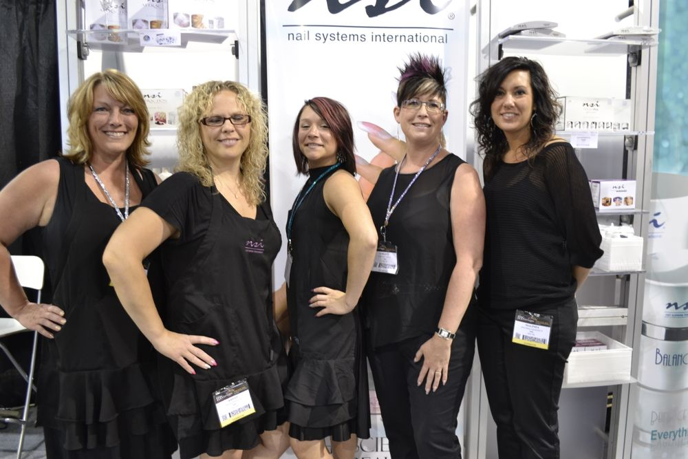 <p>The ladies of NSI sure know how to strike a pose.</p>