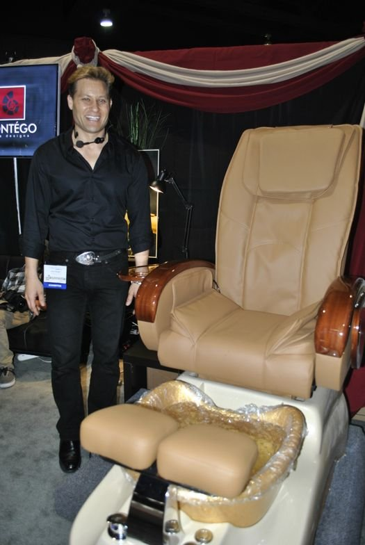 <p>Contego's Paul Bogart always brings great energy to any trade show.</p>