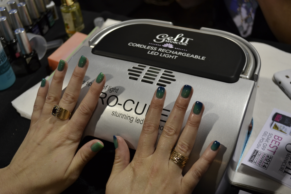 """<p>A look at Gel II""""s Reaction color changing gel-polish</p>"""