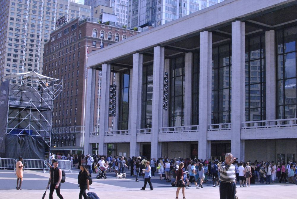 <p>Photographers and fashion enthusiasts crowd the outside of Lincoln Center, hoping for a photo opp.&nbsp;</p>