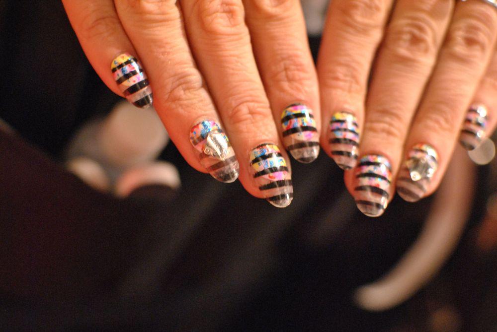 <p>Lauren Wireman's NYFW nails.&nbsp;</p>