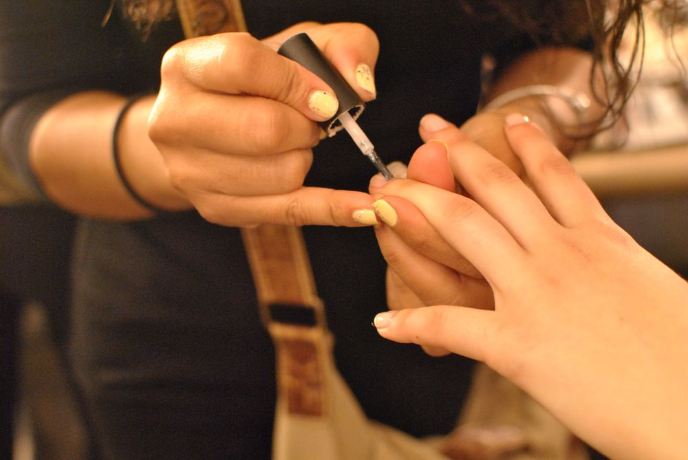 <p>Patricia Nail Lacquer in Veil is used for the Elie Tahari presentation.&nbsp;</p>