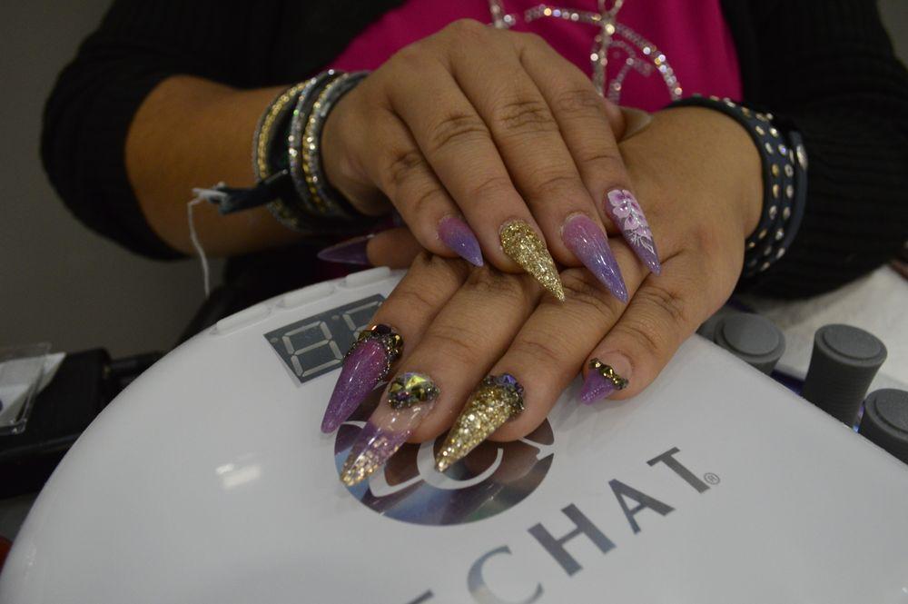 <p>LeChat's Wendy Valenzuela's nails.</p>