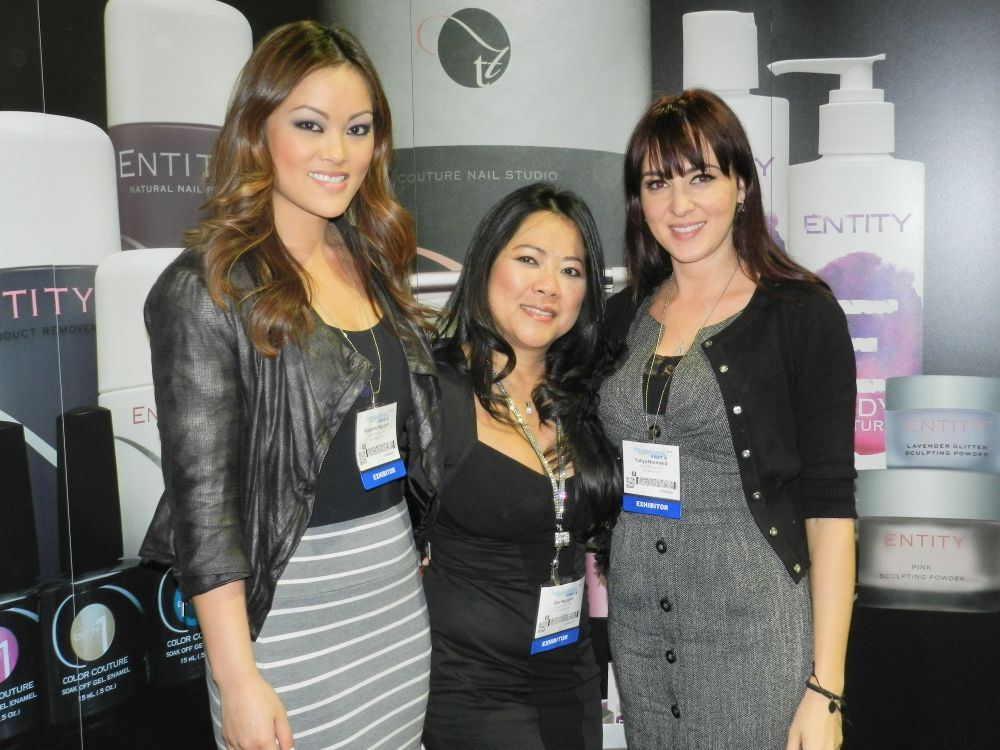 <p>Entity's Roxanne Nguyen, Dee Nguyen, and Yuliya Normand showed attendees the latest and greatest from their brand.</p>