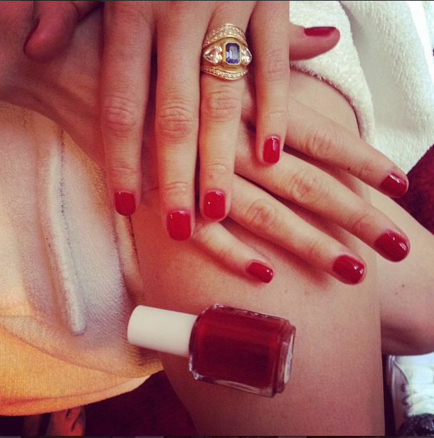 "<p>Manicurist Barbara Warner chose Essie Forever Yummy to match Delevingne's red dress. Image via <a href=""https://instagram.com/barbarawarner/"">@barbarawarner</a></p>"