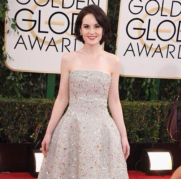 <p>Downtown Abbey's Michelle Dockery wore Essie's Penny Talk, applied by manicurist Michelle Saunders. Image via @essiepolish.</p>