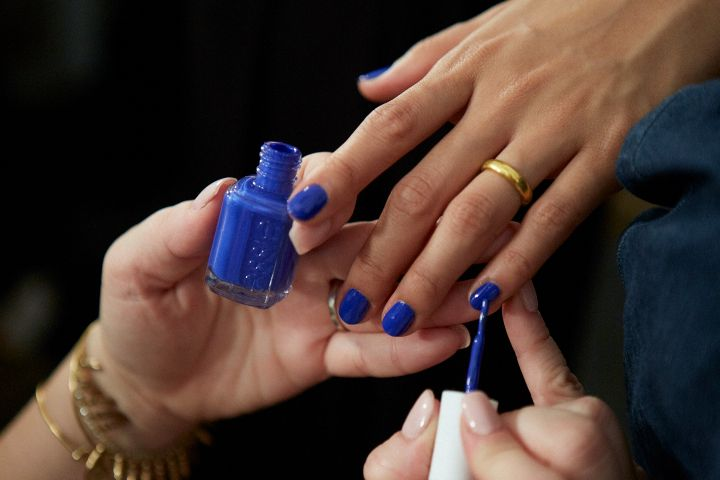 <p>The music of Nick Cave and PJ Harvey inspired Jenny Packham's spring collection. Global Lead Educator Rita Remark used Essie Butler Please for one of the nail looks.</p>