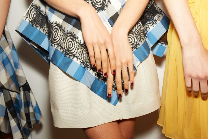 <p>A gothic ombre was created by Essie's Rita Remark for Wes Gordon.</p>