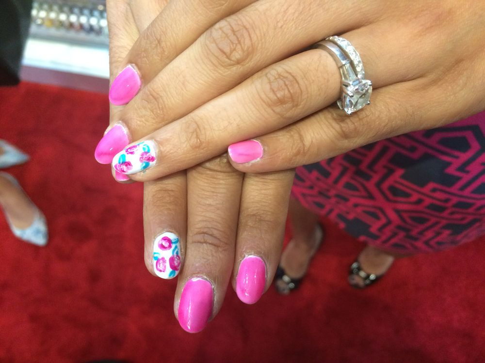 "<p>Essie's Leena Jain shows off the artistic possibilities of the new <a href=""http://www.nailsmag.com/video/111520/abstract-floral-nail-art-essie-silk-watercolors"">Watercolor collection</a>.</p>"