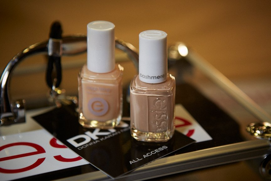 <p>Saunders used Essie All Eyes on Nude and Ridge Filling Base coat to achieve the look at DKNY.</p>