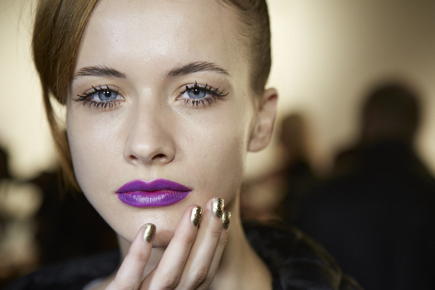 <p>Michelle Saunders was behind the gilded nail looks done with Essie for Nanette Lepore.</p>