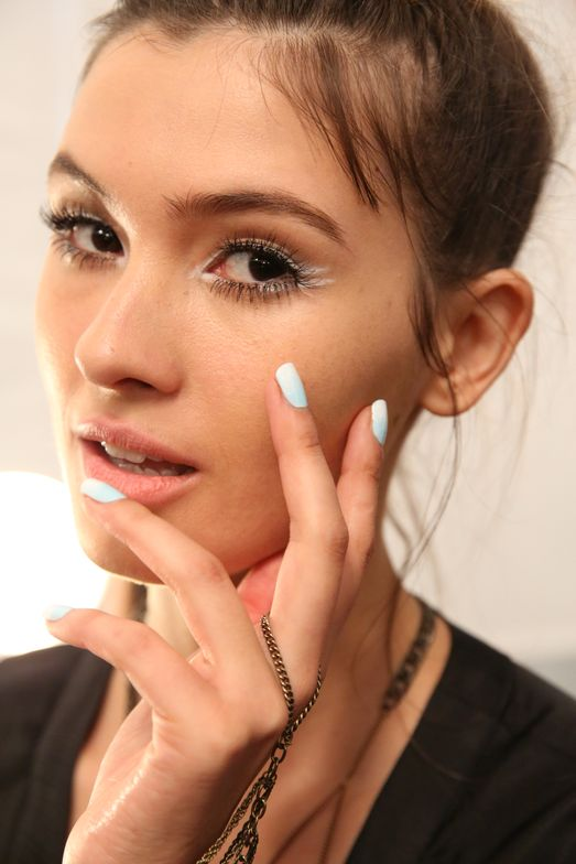 <p>Taking inspiration from the free-spirited vibe of Nanette Lepore, Julie Kandalec for Essie created a gradient nail for the hands that was reminiscent of the way the sea water rushes to the shore. Photo courtesy of Essie.&nbsp;</p>