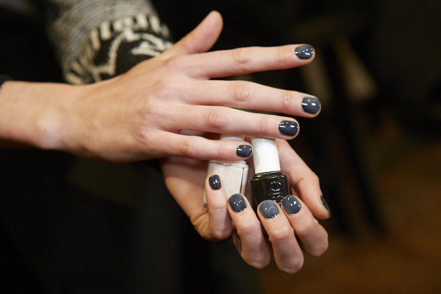 <p>In additiion to the nude nail at Proenza Schouler, Michelle Saunders also came up with a gray look using Essie Licorice and Allure.</p>