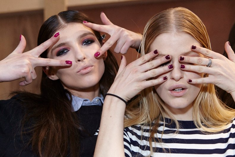 <p>Essie Big Spender and Bahama Mama were used to create the gypsy-themed nail art at Sophie Theallet.</p>