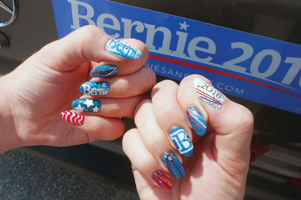 "<p>Bernie Sanders nails by Alayna Josz, Salon Salon, New London, N.H. <a href=""http://www.instagram.com/ladyalayna"">@ladyalayna</a></p>"