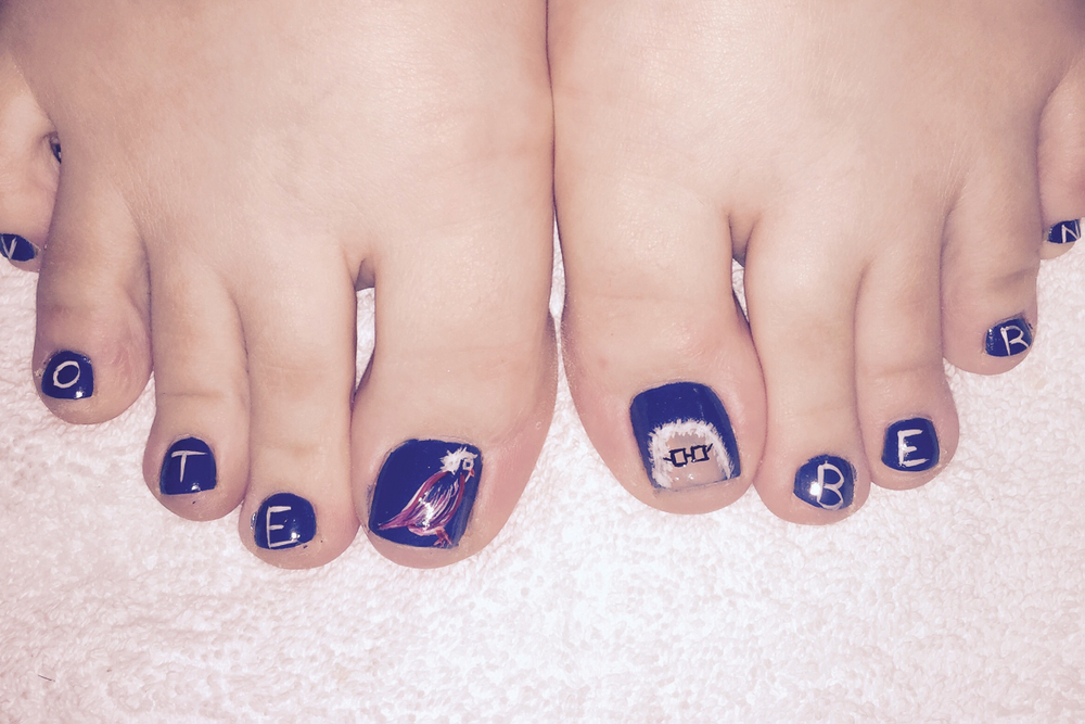"<p>Bernie Sanders nails by L. Sheila Anderson, The Fix Salon, Lawrence, Kan.&nbsp;<a href=""http://www.instagram.com/ladygem27"">@ladygem27</a></p>"