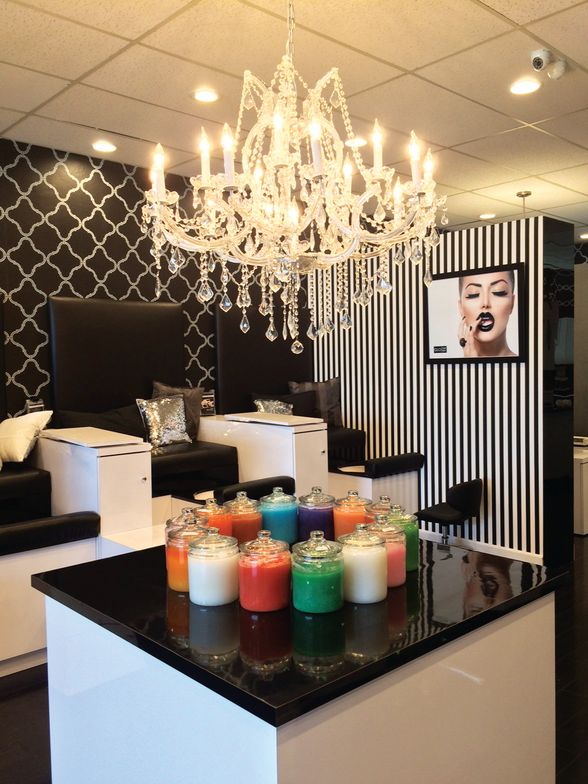 <p>Glo Nail Bar, Newport Beach, Calif.<br />@glonailbar</p>