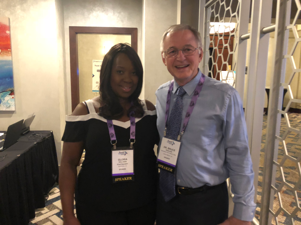 <p>Footnanny Gloria Williams greeted keynote speaker Dr. Bruce Pichler.</p>