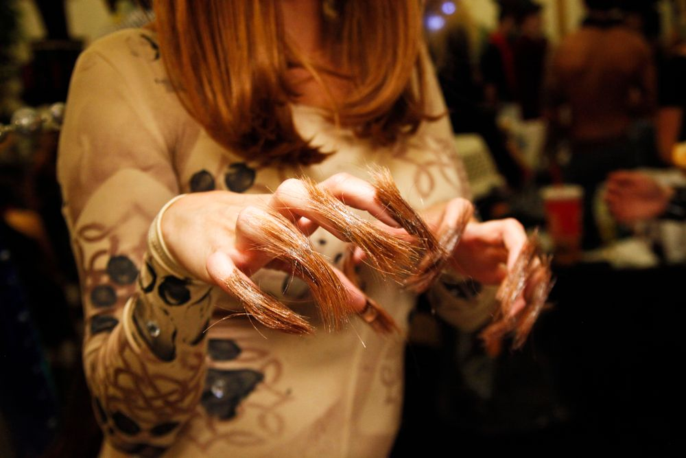 <p>Headliners Salon: The hair used for the cayote model was used to resemble fur on the nails. Yavenue found it difficult working with hair for nail art.</p>