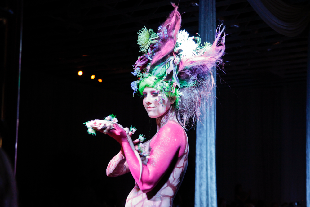 <p>Headliners Salon's blooming cactus look.</p>